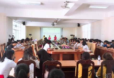 Hưởng ứng Ngày sách Việt Nam lần thứ VI năm 2019 tại Trung tâm Học liệu, Trường Đại học Quảng Bình