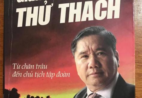 Phòng đọc 5 giới thiệu sách hay: Gian truân chỉ là thử thách -  Tự truyện Hồ Văn Trung - Nhà xuất bản: Thuận Hóa