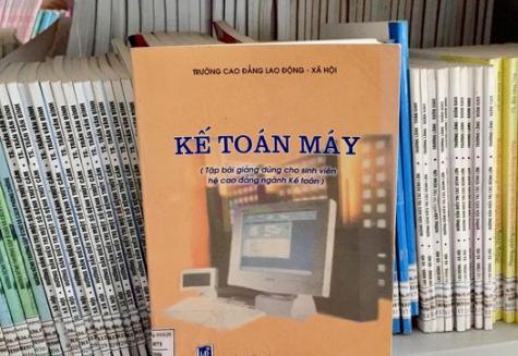 Giới thiệu sách: Kế toán máy. Tập bài giảng dùng cho SV ngành kế toán