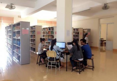 Quy định về việc sử dụng tài liệu và CSVC tại Trung tâm Học liệu